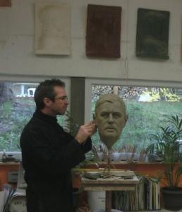 Modelage du portrait du General De Gaulle