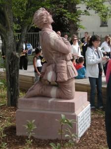 monument commémoratif en hommage aux malgré-nous