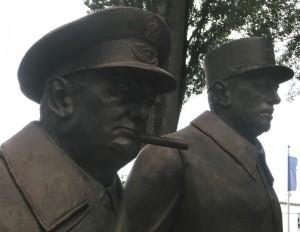 Monument en hommage à Churchill et De Gaulle