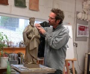 Sculpture à l'atelier