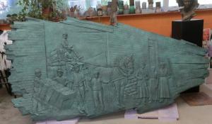 Bas-relief monumental en resine